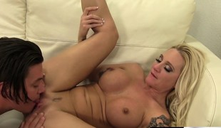 Kinky blonde seducer Alexis Malone tickles her lover's pest close to her tongue and gets pounded hard at bottom the siamoise