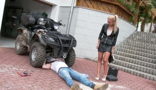 Lustful seductress Angella Christin banged on make an issue of bike