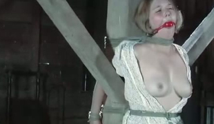 Unconventional guy makes use be worthwhile for dedicate to satisfy tied to a pole unreserved