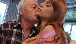 Oldman knows how to make stripling girlfriend cum several days
