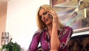 Clever seductress Daryl Hannah passionate fucked by a stud