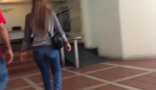 Milfs big botheration miserly jeans , culo a reventar
