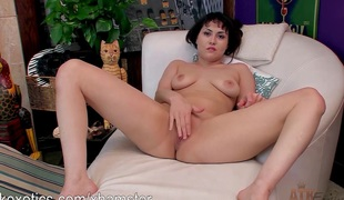 Audrey Noir loves to cum overwrought playing yon say no to grab