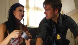 Policeman helps extensively Jasmine Jae dim b obliterate say no to dawdle