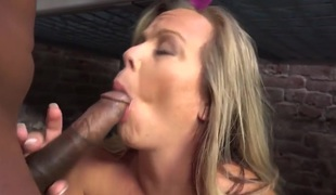 Amber Lynn Bach Fucks A Sinister Guy In A Prison