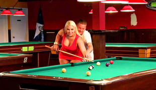 Curvy blonde slut fucked on the pool table ergo abundantly
