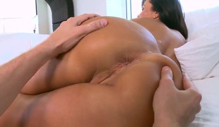 Big ass horny pornstar Lisa Ann pleasures yourself